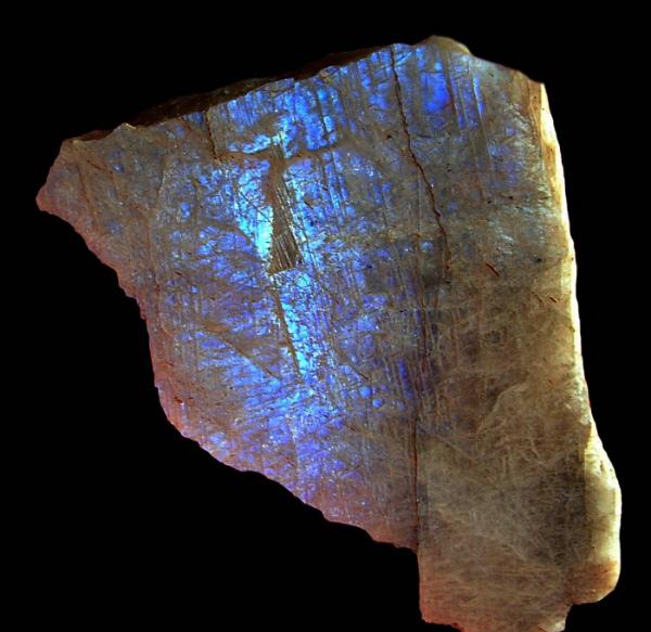 Как отличить лунный камень от подделки - Беламорит