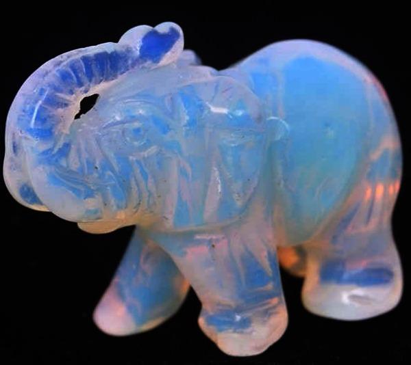 Слон с лунного камня - магические свойства?