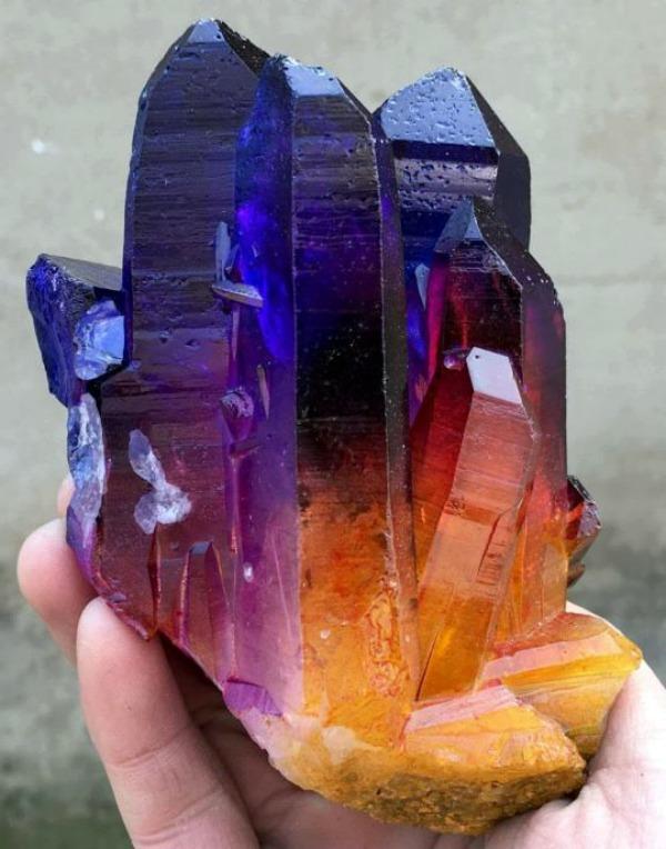 Радужный кварц1