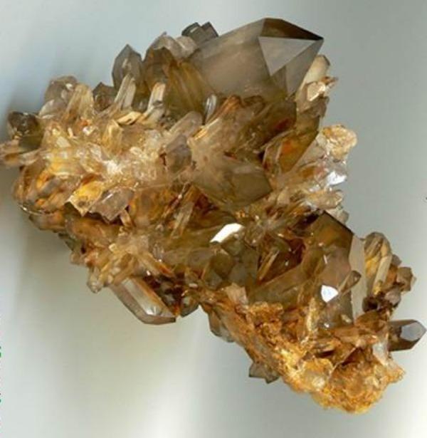 дымчатый кварц камень свойства знак зодиака5