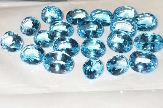 Синие топазы