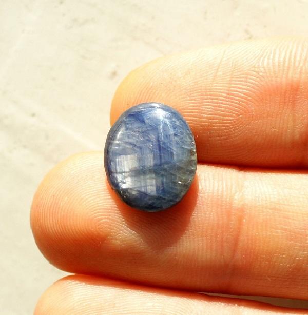 Недостатки камня - трещиноватость