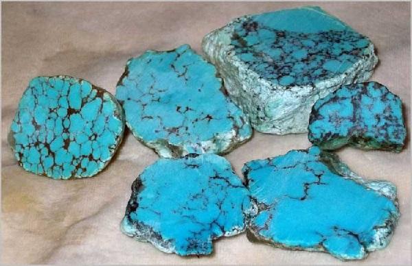 Минерал: голубая бирюза
