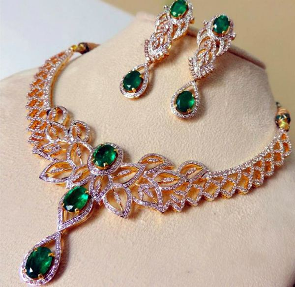 ожерелье с изумруда