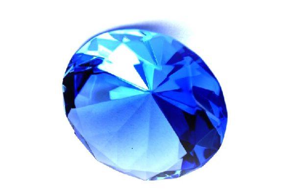 Обработанный камень сапфир